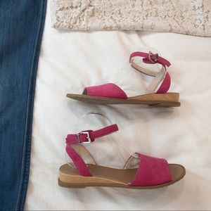 Kenneth Cole Reaction Jolly Sandals - Sz 9.5 -NWOT